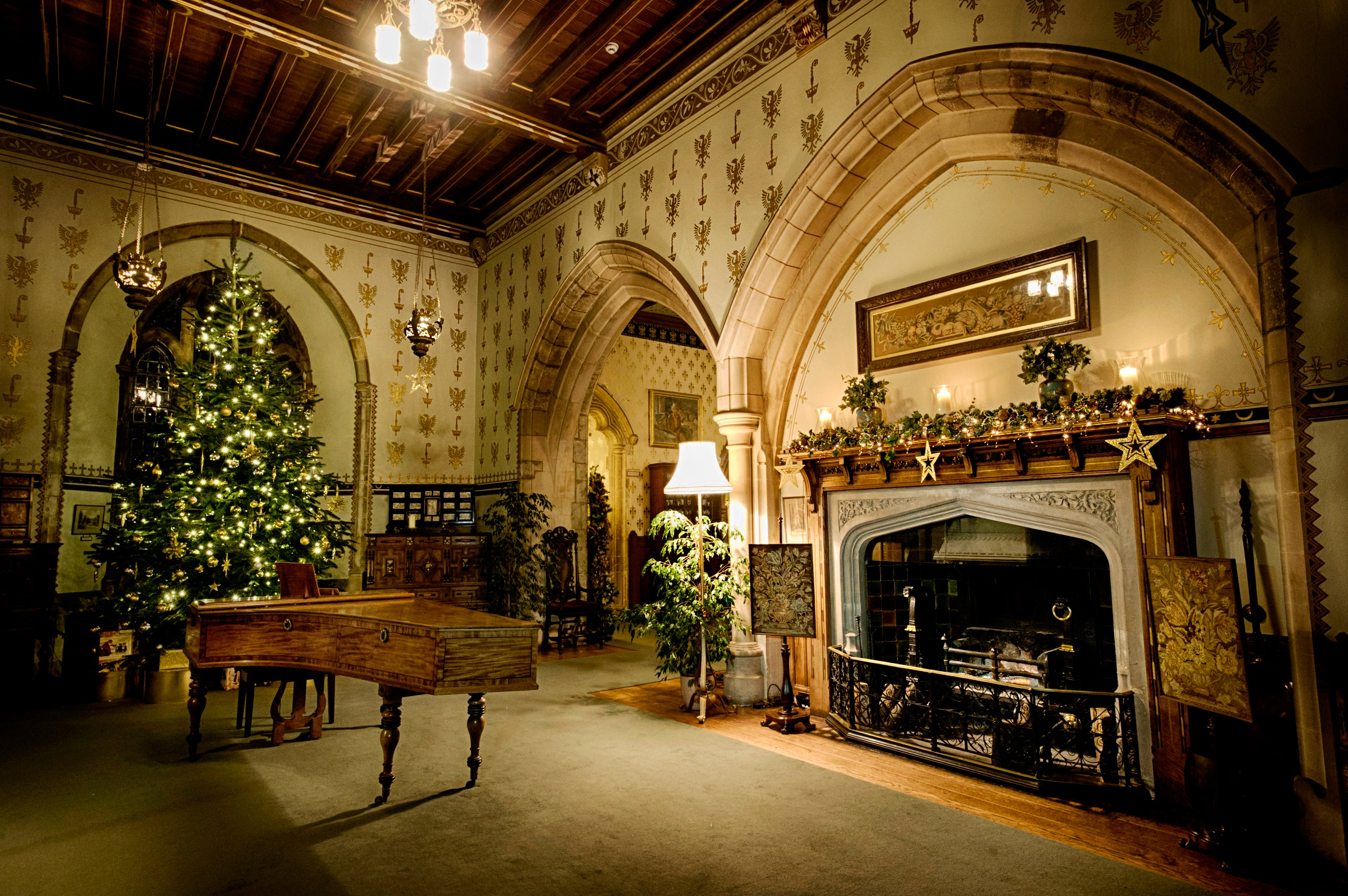 Pic by Samantha Cook Photography. December 7th 2016.  Beaulieu National Motor Museum, Beaulieu. Pic: Victorian Christmas in Palace House, and Winter's Tales at Beaulieu.